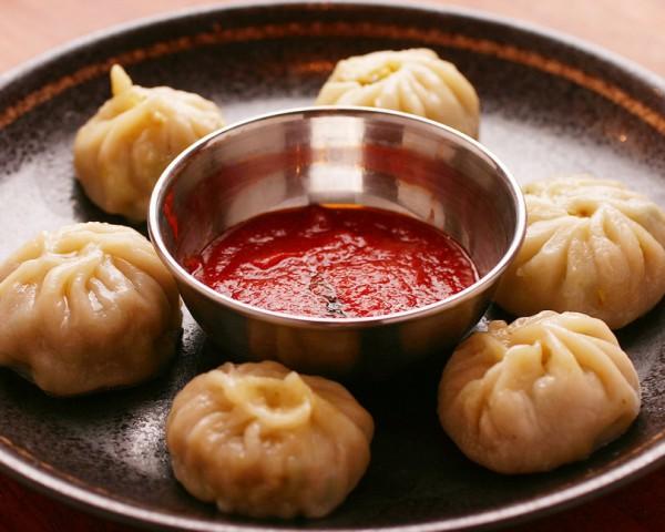 ネパールの蒸し餃子モモ